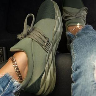 Women's Lace-up Closed Toe Lace Wedge Heel Sneakers (111852912)