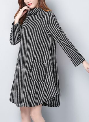 Stripe Pockets Sweater Knee-Length Shift Dress