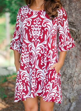 Floral Pockets 3/4 Sleeves Above Knee Shift Dress