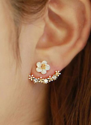 Cute Floral No Stone Stud Earrings (104147769)