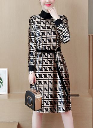 Color Block Long Sleeve Knee-Length Shift Dress