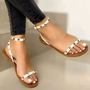 Women's Rivet Buckle Round Toe Flat Heel Sandals (4456648)
