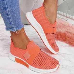 Women's Beading Round Toe Fabric Flat Heel Sneakers (147089937)