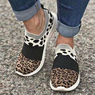 Women's Animal Print Low Top Fabric Flat Heel Sneakers (107952875)