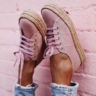 Women's Lace-up Closed Toe Flat Heel Sneakers (1437682)