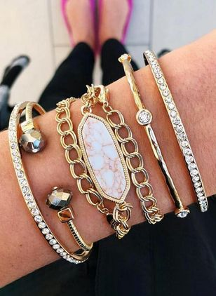 Casual Round Crystal Bangle Bracelets (4042961)