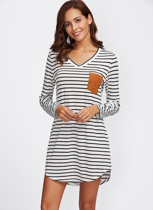 Stripe Pockets Tshirt V-Neckline Shift Dress