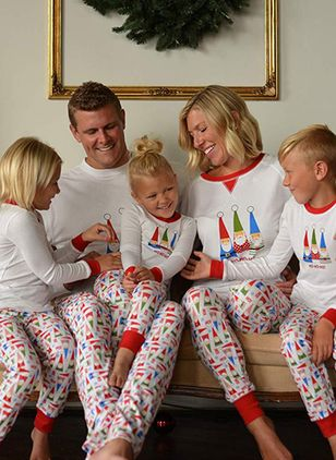 Family Look Character Christmas Long Sleeve Family Outfits (131284833)