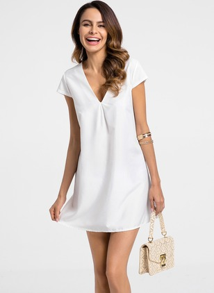 Solid V-Neckline Cap Sleeve Shift Dress