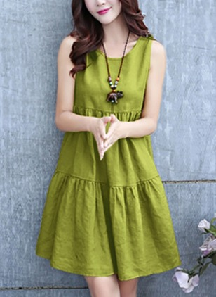 Solid Sleeveless Knee-Length Shift Dress