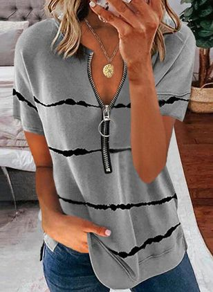 Stripe Casual V-Neckline Short Sleeve Blouses (147059950)