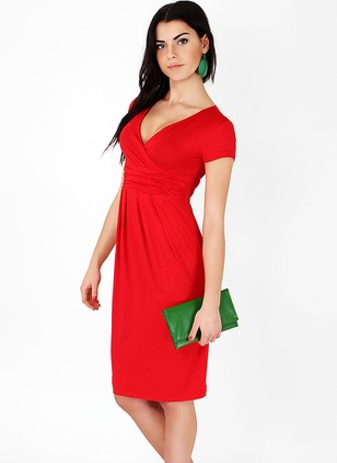 Solid V-Neckline Short Sleeve Knee-Length Shift Dress