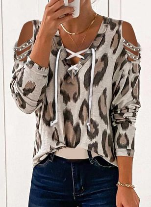 Leopard Casual V-Neckline Long Sleeve Blouses (146743942)
