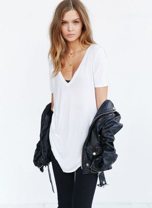 Solid Cute V-Neckline Short Sleeve Blouses